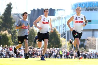 Finals fever takes hold as Pies prepare for a Giant clash