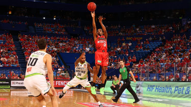 Bryce Cotton scored 27 points as the Wildcats proved too good for South East Melbourne Phoenix on Sunday.