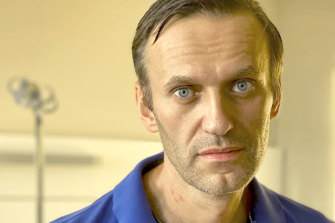 Russian opposition leader Alexei Navalny has been discharged from hospital after treatment for poisoning.