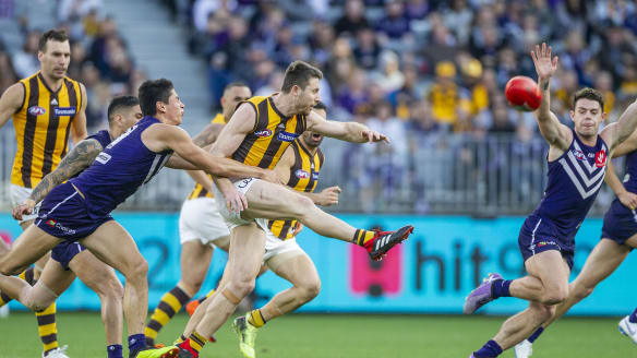 Hawks, Bombers among frantic finish to AFL season as Swans slide