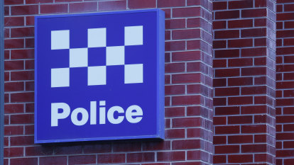 Police officer charged with arson over Melbourne house fire