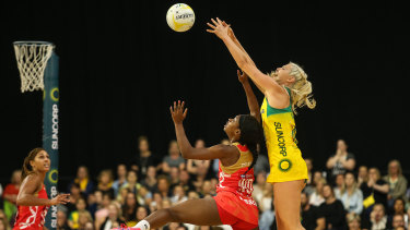 Gretel Tippett in action for the Diamonds in the 2018 Quad Series against the England Roses.