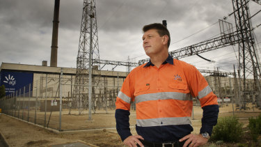 """Outgoing AGL boss Brett Redman said he could not make a """"long-term commitment"""" to overseeing the demerger of the nation's biggest and oldest energy utility."""