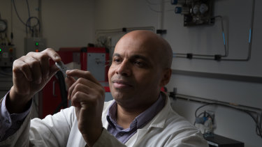 Professor Francois Aguey-Zinsou, Chief Scientist at the UNSW Hydrogen Energy Research Centre, with hydride used to store hydrogen in a newly developed battery.