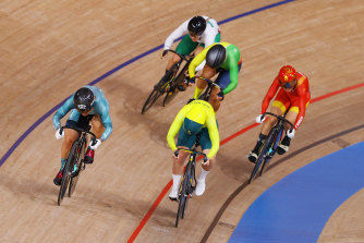Australia's Kaarle McCulloch progressed to the keirin quarter-finals.