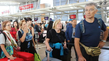 Leaked emails show the Australian Border Force is slashing casual staff at airports in the busy Christmas period.