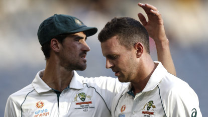 Australia vs New Zealand day three: Smith out for 16 as Australia's lead goes beyond 400
