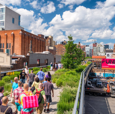 """People along High Line in Manhattan. If Sally Capp realises her """"passion project"""", Melbourne could one day get its own version of the famous park."""