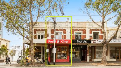 Burke Road shop sells for $1m above reserve
