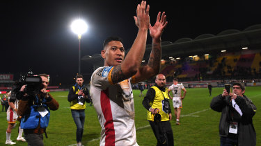 There is growing support among NRL clubs for Israel Folau (pictured playing with Catalans Dragons) to return to where his career started.