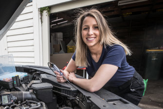 Fiona McDonald, a motor mechanic and head of Tradeswomen Australia, is encouraging women to get into trades in the construction-led economic recovery.