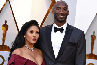 Kobe Bryant, right, and his wife Vanessa Bryant in 2018 at the Oscars.