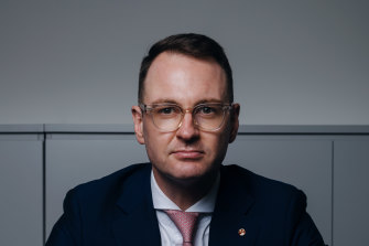 Senator Andrew Bragg is representing the interests of small outlets in negotiations with Google and Facebook. These outlets include Junkee Media and the Northern Beaches Advocate.