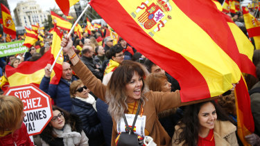 Thousands of Spaniards in Madrid joined a rally called by right-wing political parties to demand that Socialist Prime Minister Pedro Sanchez step down.