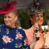 Council to hold Melbourne Cup parade but pushes for ban on whips