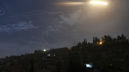 Syria downs missiles fired by Israeli warplanes