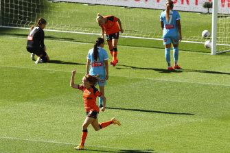 Mariel Hecher scores the winner for Brisbane Roar.