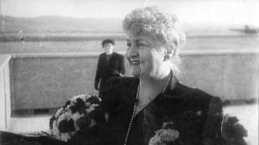 Alma Mahler returns to Vienna after the Second World War.