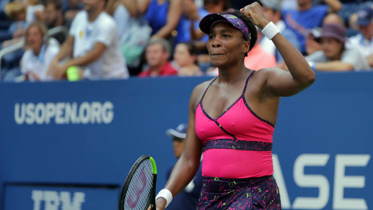 Venus Williams could play her sister Serena in the third round.