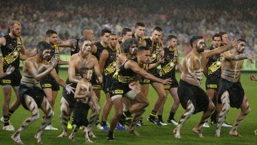 Sydney Stack of the Tigers leads an Indigenous dance for Dreamtime at the 'G.