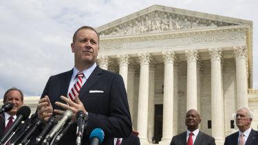 A stunt: Missouri Attorney General Eric Schmitt speaks in front of the US Supreme Court in Washington.