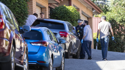Five men arrested from Sydney to Dubai as seven-year investigation smashes crime syndicate