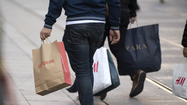 Shoppers are keeping their wallets closed.