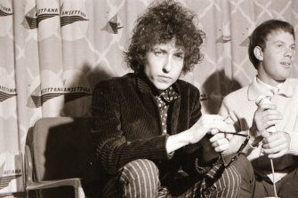 On his Australian tour in 1966, Bob Dylan gave a press conference in Melbourne.