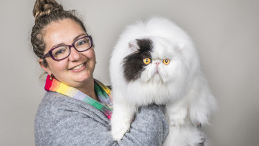 Samantha Ross with her Persian, Patchy.