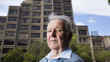 Jack Mundey in front of the Sirius building in 2016.