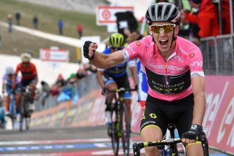 Simon Yates in the pink leader's jersey at the 2018 Giro d'Italia.