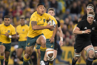 Former rugby union international Israel Folau is returning to rugby league at Catalans Dragons.