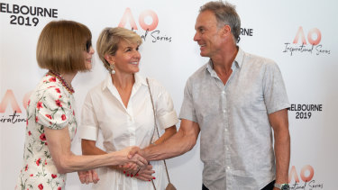 Anna Wintour (L) with Australian politician Julie Bishop and David Panton at the AO Inspirational Series on Thursday.