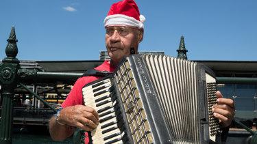 Keith Van Der Berg, who busks in Circular Quay.
