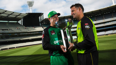 David Hussey (Stars) and brother Michael (Thunder) prepare for the 2016 BBL grand final.
