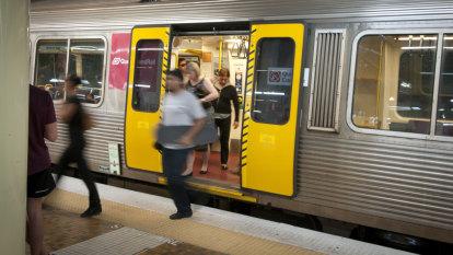 Queensland government reveals 'rail fail' end date