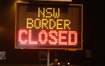 A border sign between Victoria and NSW.