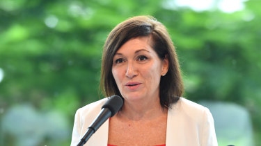 Environment Minister Leeanne Enoch announces Queensland's Climate Change Week will include planning sessions from An Inconvenient Truth speaker Al Gore.