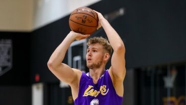 Jock Landale, trying out for the Los Angeles Lakers, is now a big chance to play for the Boomers against Kazakhstan.