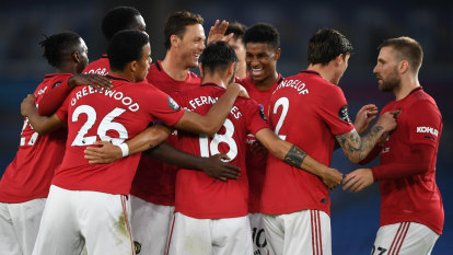 Rising star Fernandes doubles down as United steamroll Brighton