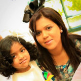 Manik Suriaaratchi (right) and her 10-year-old daughter, Alexendria.