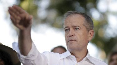Bill Shorten says a Labor government will urge the Fair Work Commission to increase the minimum wage.