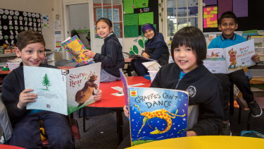 Carlton Gardens Primary offers extra reading programs for children learning English as their second language.