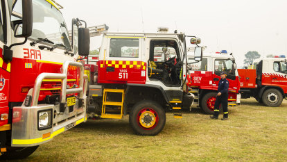 Bushfires stretch state's emergency services to 'busiest season on record'