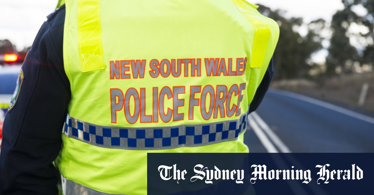 Three teenagers charged after off-duty police officer stabbed in Sydney's inner-west – Sydney Morning Herald