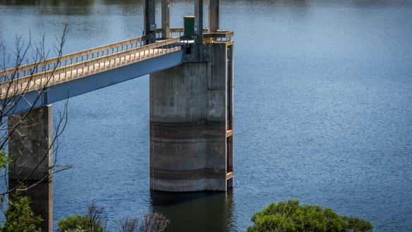 Discoloured water warning as Canberra heats up