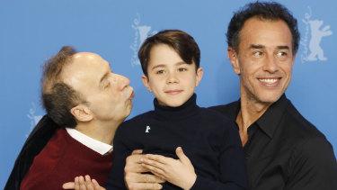 Matteo Garrone (right) with his Pinocchio starsRoberto Benigni (left) andFederico Ielapi.