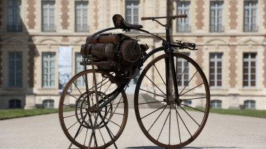 A steam vélocipède from 1869.