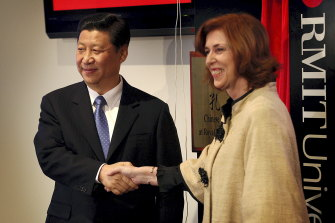 China's then Vice-President Xi Jinping and then RMIT Vice-Chancellor Professor Margaret Gardner officially open RMIT's Chinese Medicine Confucius Institute in 2010.