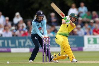 Jess Jonassen at the crease for Australia.